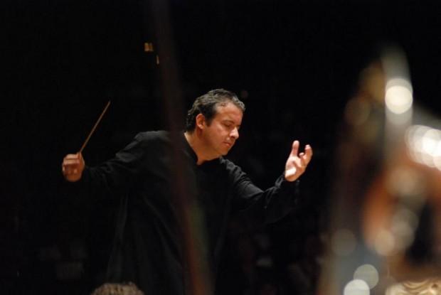 Juanjo Mena debutará con la Filarmónica de Berlín la próxima temporada