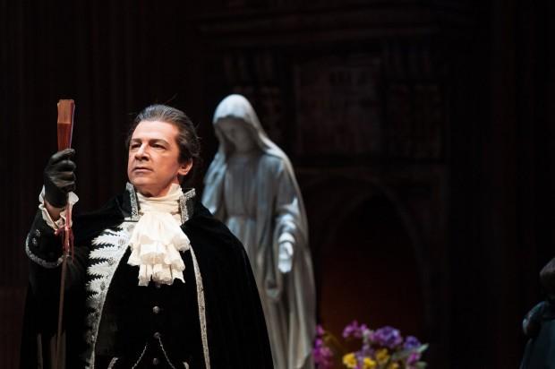 Sweeney Todd closes Vancouver Opera's 2014-2015 season
