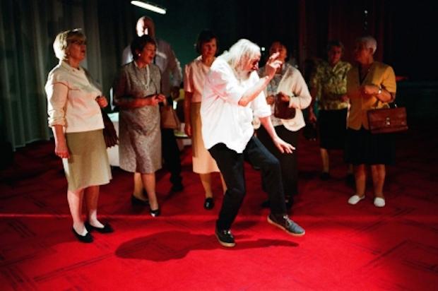 la compagnie PEEPING TOM présente deux spectacles au Festival munichois de danse contemporaine