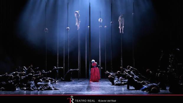Escena de Roberto Devereux en el Teatro Real