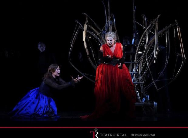 Escena del segundo reparto de Roberto Devereux en el Teatro Real