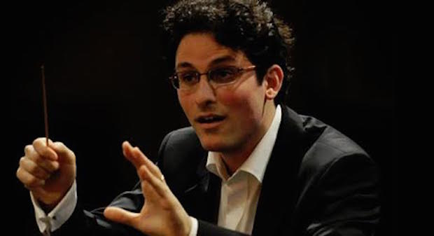 VSO Conducted by Alexandre Bloch Skilled Evening Almost Spoiled with Missteps