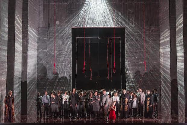 Un Nabucco de contrastes en Oviedo