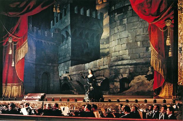 "La escena de la torre en ""Il Trovatore"" fotograma de ""Senso"", 1954"