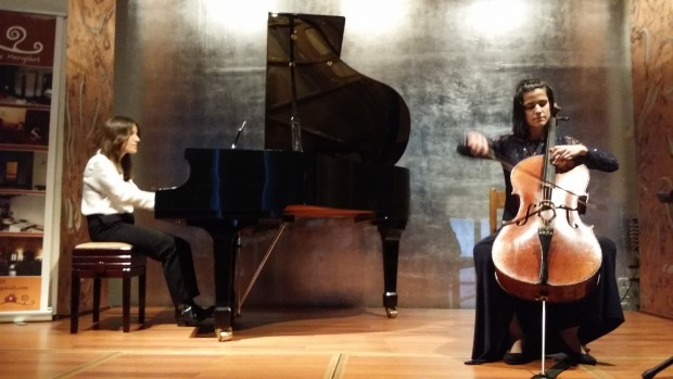 El piano de Bruno Anguera y Marta Maribona y el violonchelo de Luisa Gutiérrez triunfan en Madrid