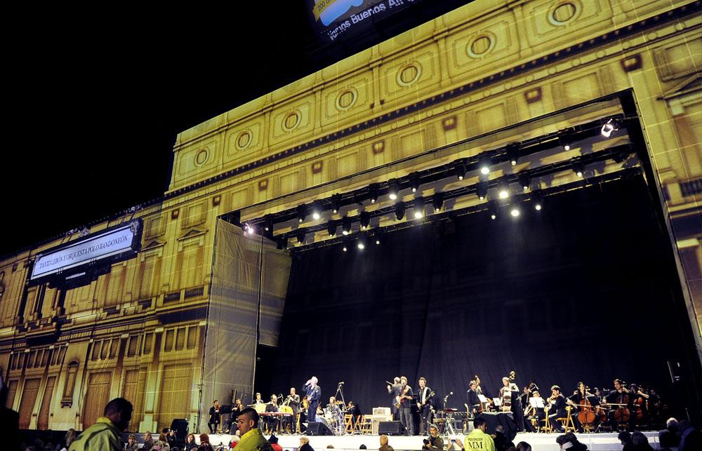 La celebración del bicentenario argentino: la noche de los 200 años