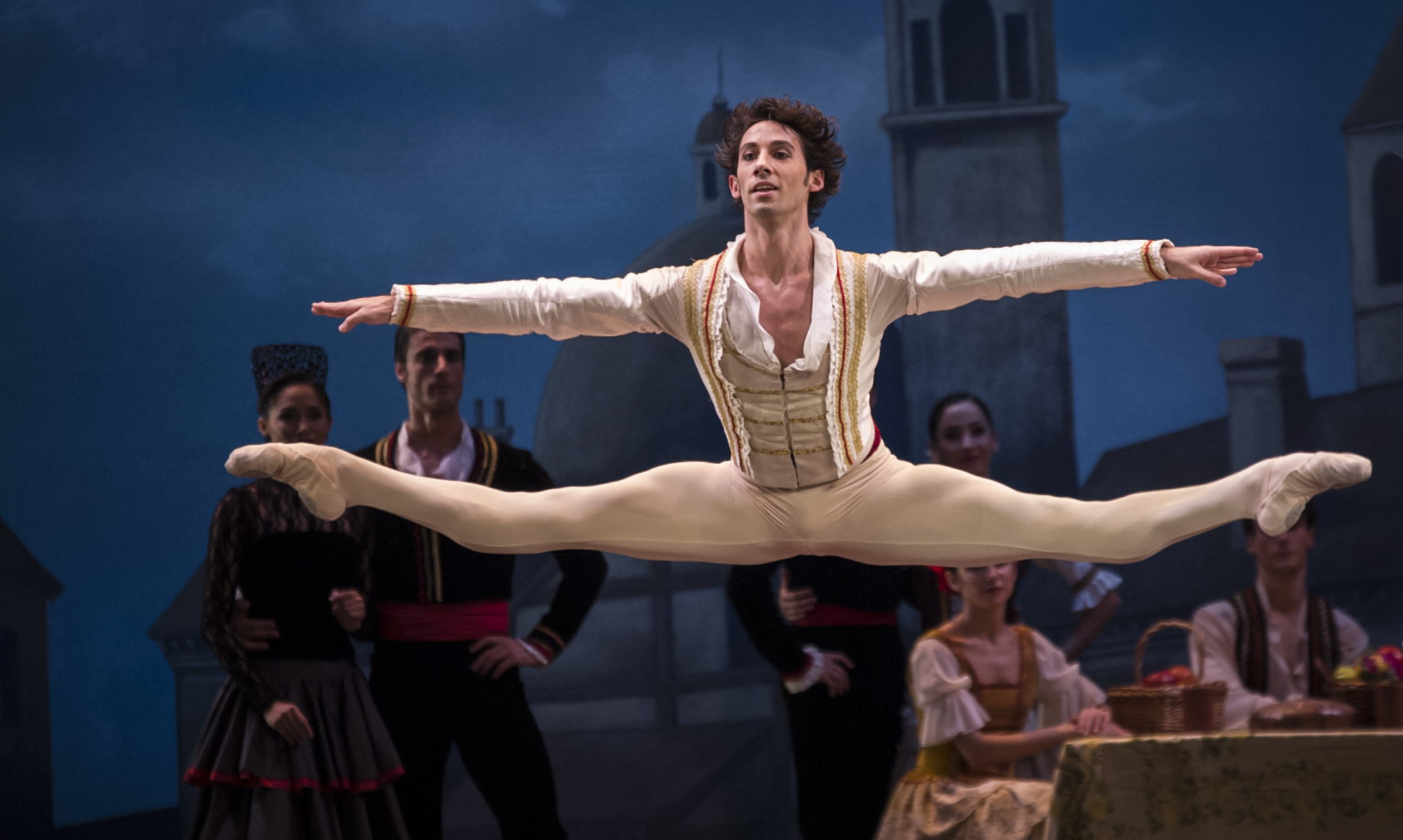 El primer bailarín ESTEBAN BERLANGA en DON QUIJOT