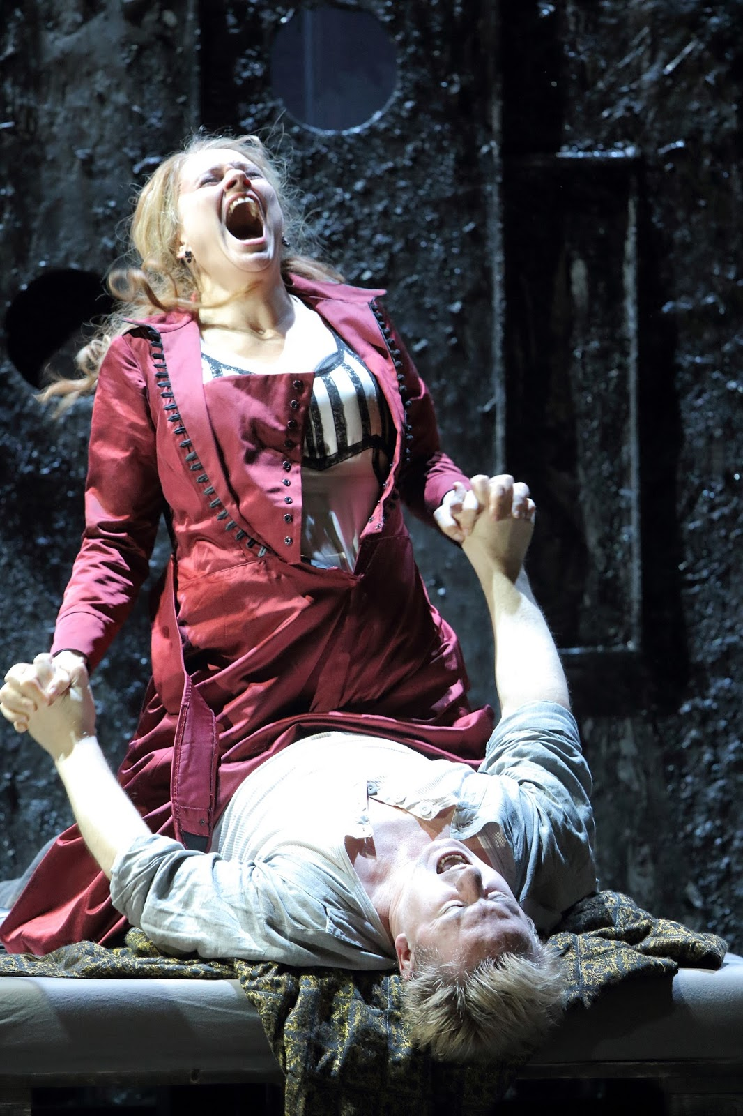 Kirill Petrenko dirige Lady Macbeth de Mtensk à Munich, avec la sublime Katerina d'Anja Kampe. Photo: Wilfried Hösl