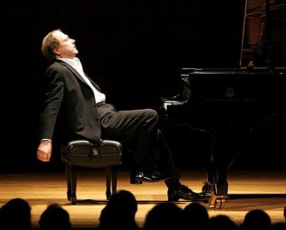 Kirill Petrenko et Marc-André Hamelin dans un concert russe du Bayerisches Staatsorchester