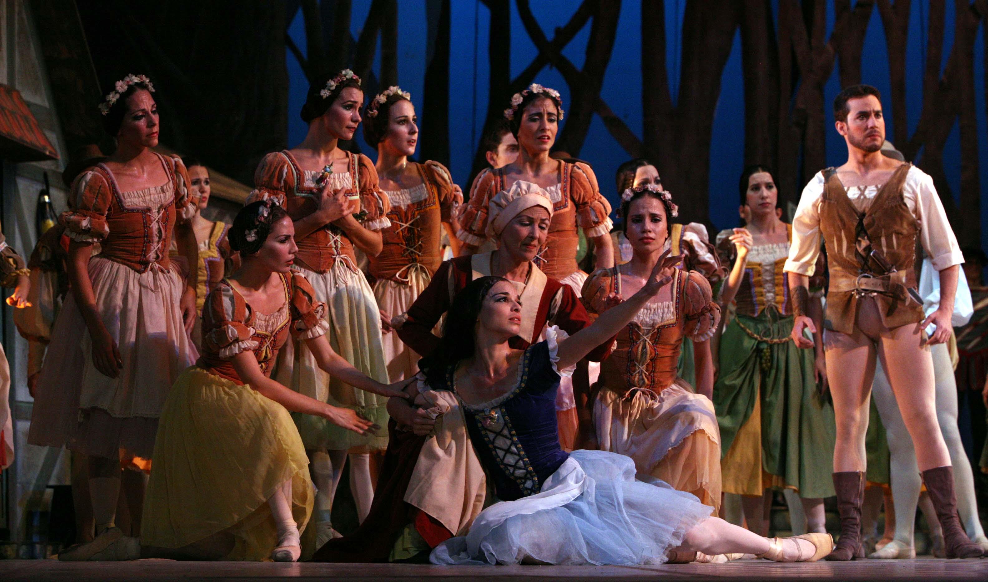 Viengsay Valdés en el primer acto de Giselle. Foto: Nancy Reyes