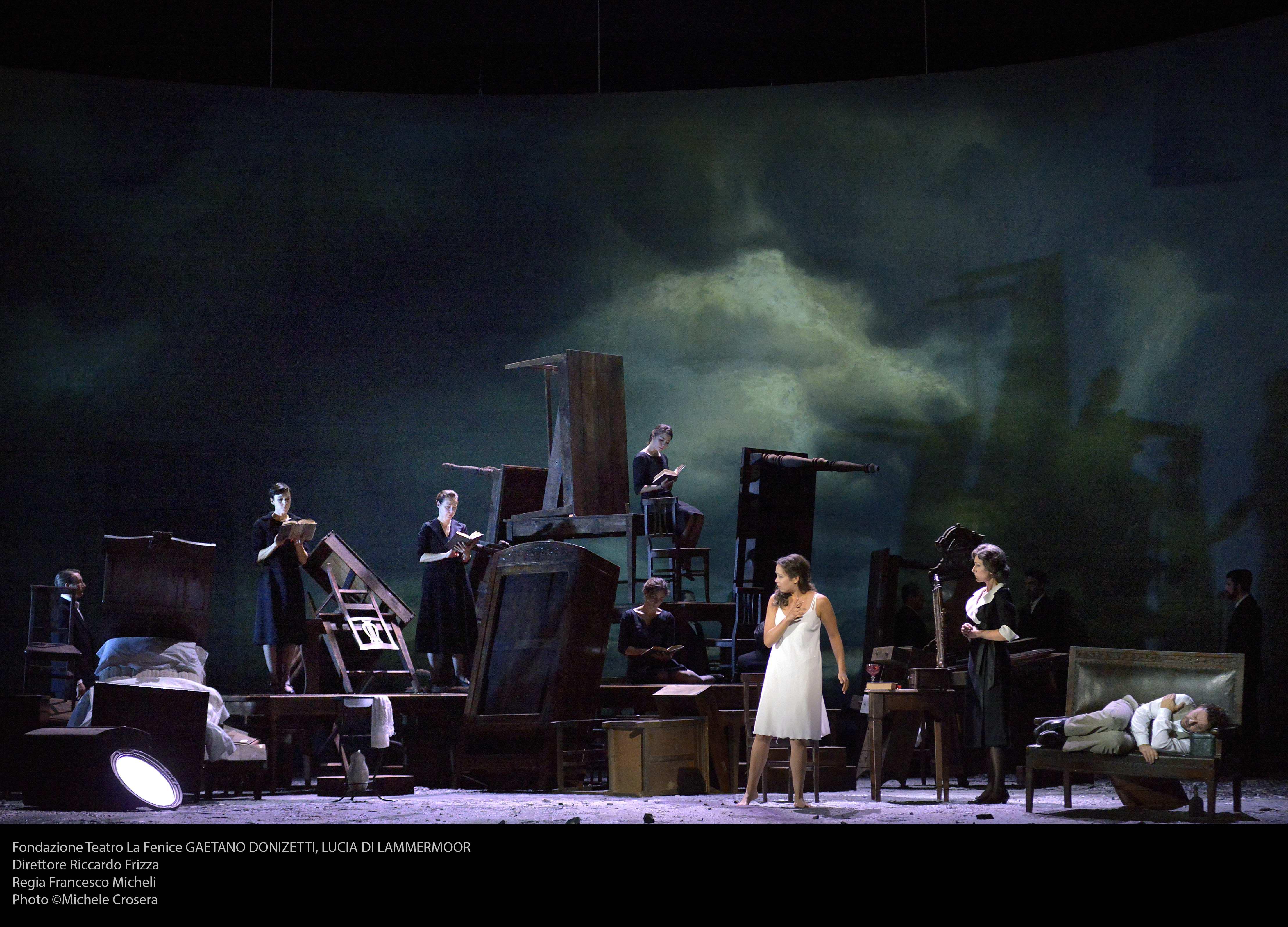 Lucia di Lammeroor in scena al Teatro La Fenice di Venezia. Photo ©Michele Crosera