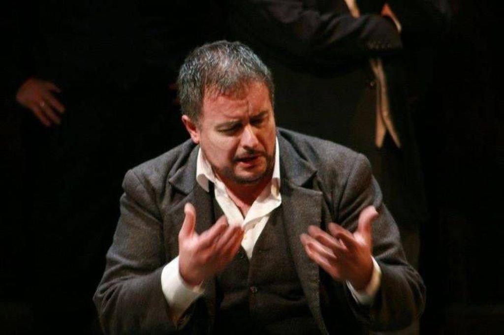 Un buen y exitoso Rigoletto en Vigo con Luis Cansino