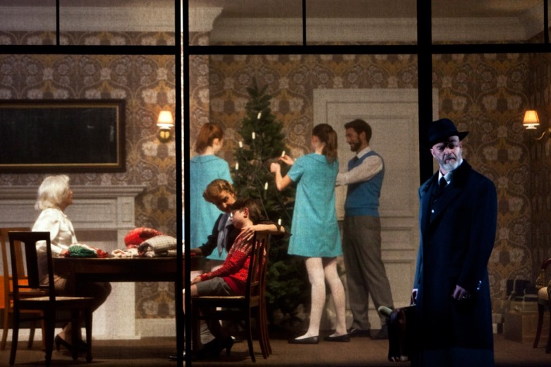 Estupenda producción escénica de Barkhatov para L'Invisible de Reimann. Foto: Bernd Uhlig