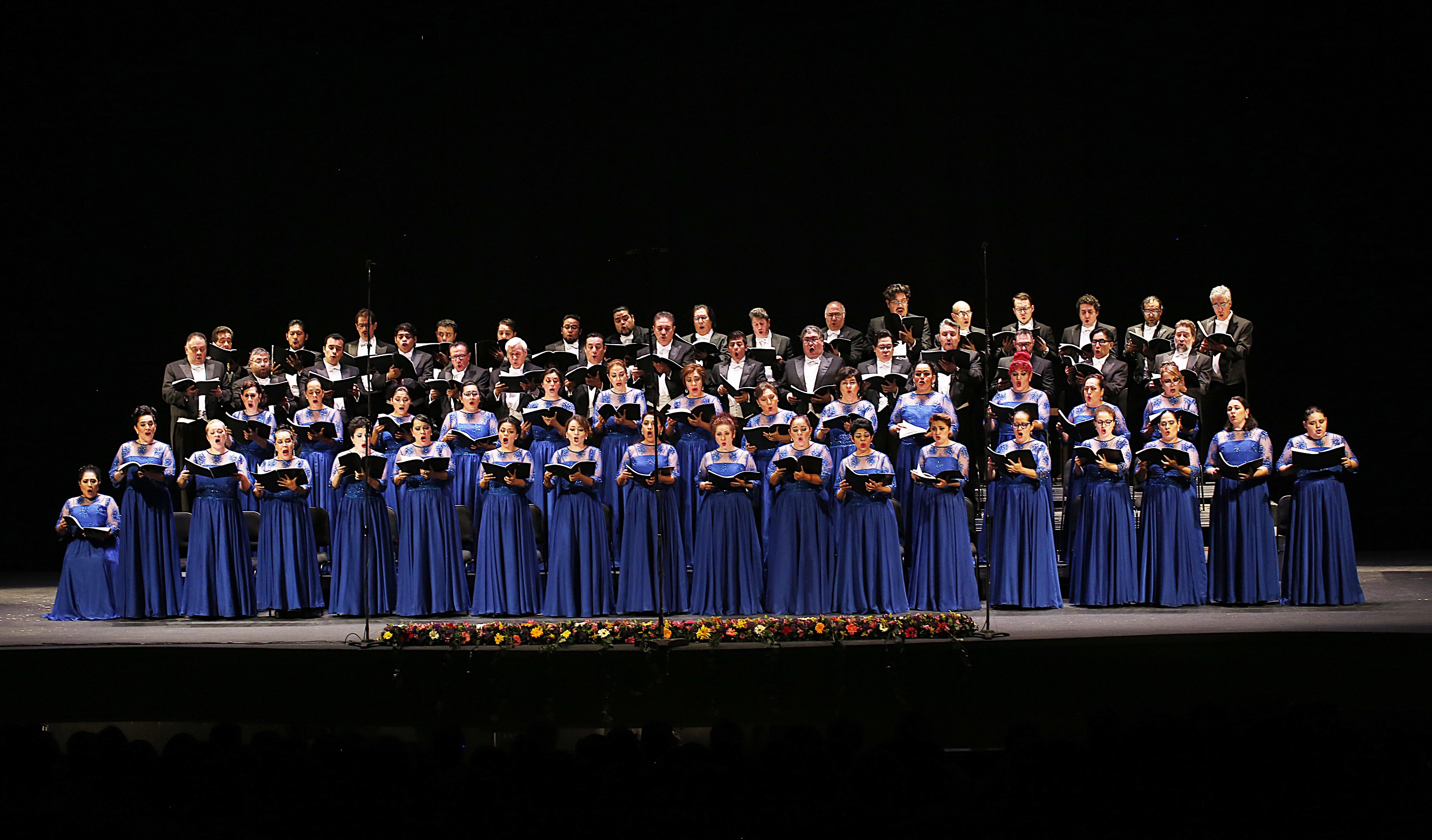 Coro del Teatro de Bellas Artes. Foto de Daniel Gonzalez.