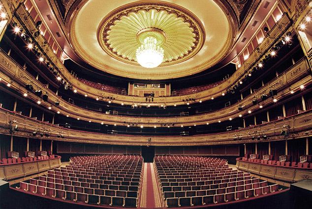 Los trabajadores del INAEM acuerdan huelga indefinida para todos sus teatros por la fusión del Real y la Zarzuela
