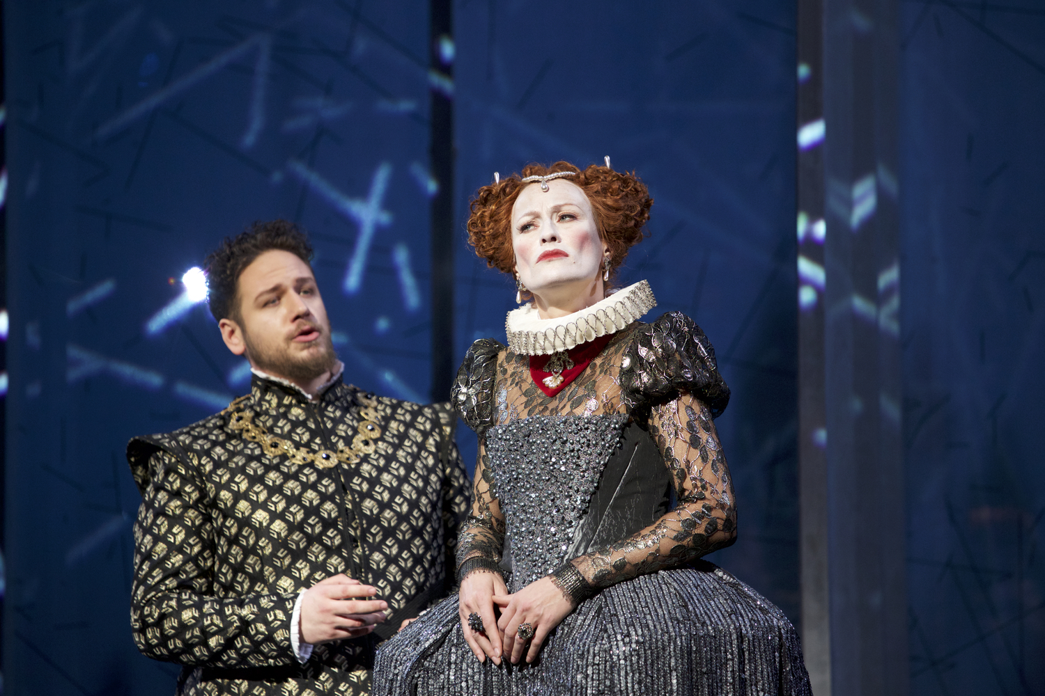 Matija Meić (Sir William Cecil), Nadja Stefanoff (Elisabetta)