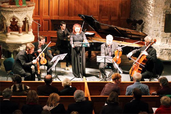 Zandra McMaster junto al Vogler Quartett en obras de Respighi, García Abril y Ernest Chausson