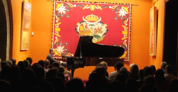Recital del pianista Alejandro Algarra: mucho más que plumas