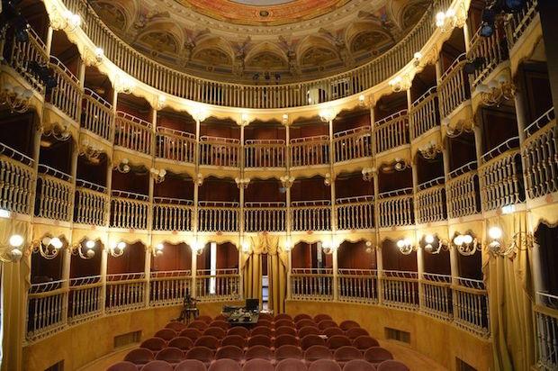 Lanzan campaña de crowfunding para salvar los teatros de ópera en Italia
