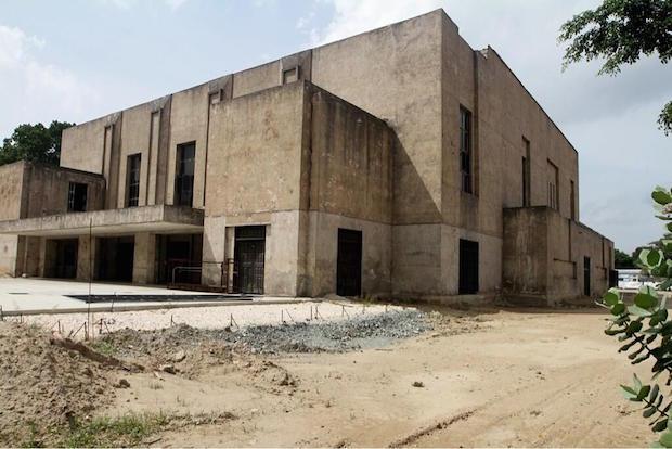 Continúan las obras de restauración del Teatro de la Ópera de Maracay