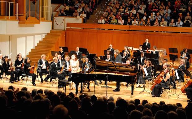 La juventud de Nesterowicz y Chernychko brillan en su concierto con la O.C.G.