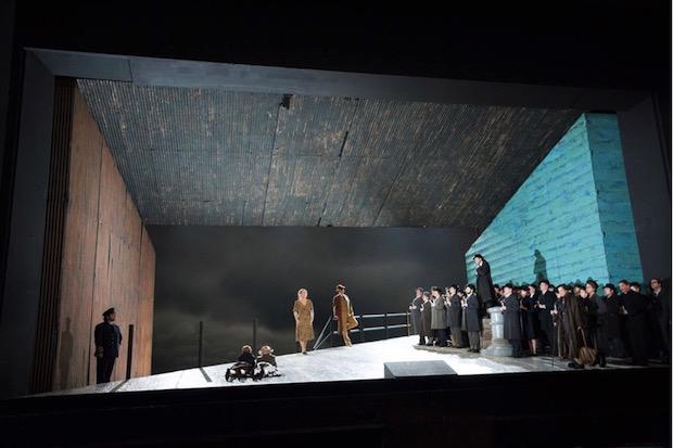 Peter Grimes en Berlín: un tour de force para los cuerpos estables del teatro