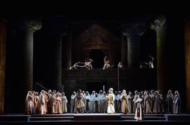 Grande Musica e Belle Voci per il Nabucco al Teatro Petruzzelli di Bari