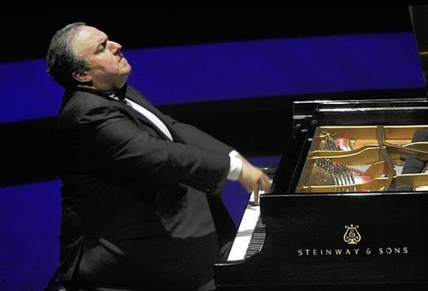 Pianist Yelfim Bronfman amazes in Seattle with Beethoven Piano Concerto No. 2
