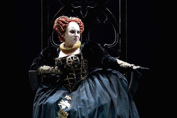 Nostra Signora del Bel Canto, Mariella Devia incanta Genova nel Roberto Devereux