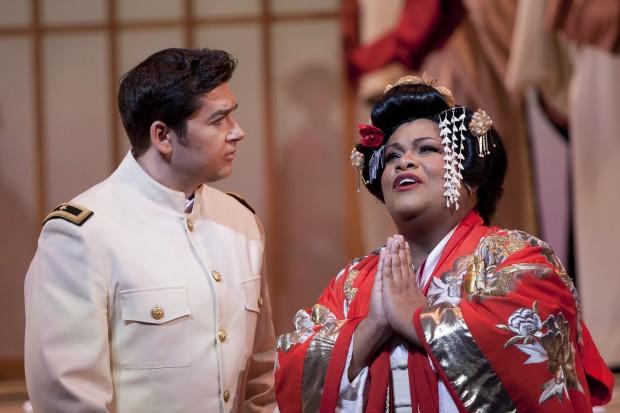 Éxito de Latonia Moore en Madama Butterfly en San Diego
