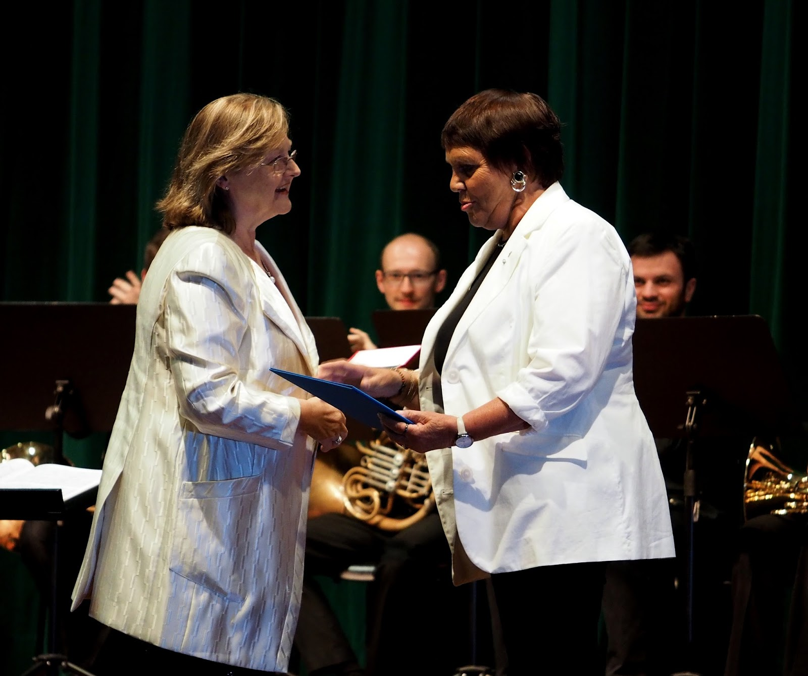 Edita Gruberova reçoit la médaille Richard Strauss au Festival de Garmisch 2016