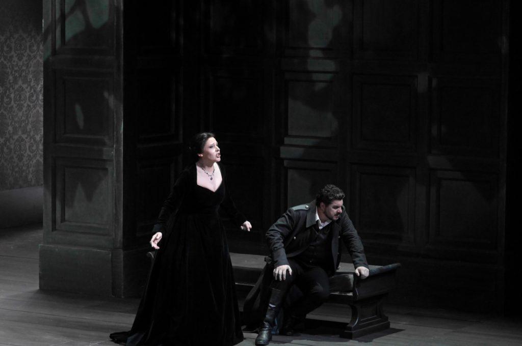 Primer acto de Macbeth en el Liceu. Tatiana Serjan y Luca Salsi