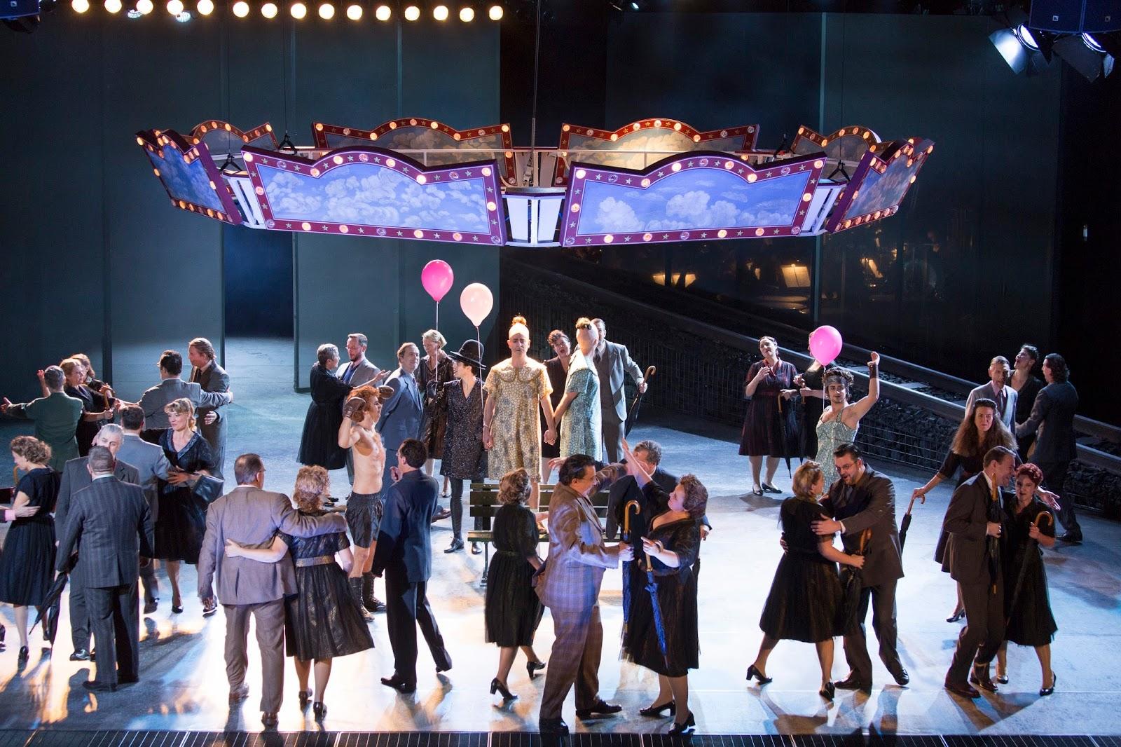 Création mondiale d'un nouvel opéra à Munich: Liliom d'après la pièce de Ferenc Molnár
