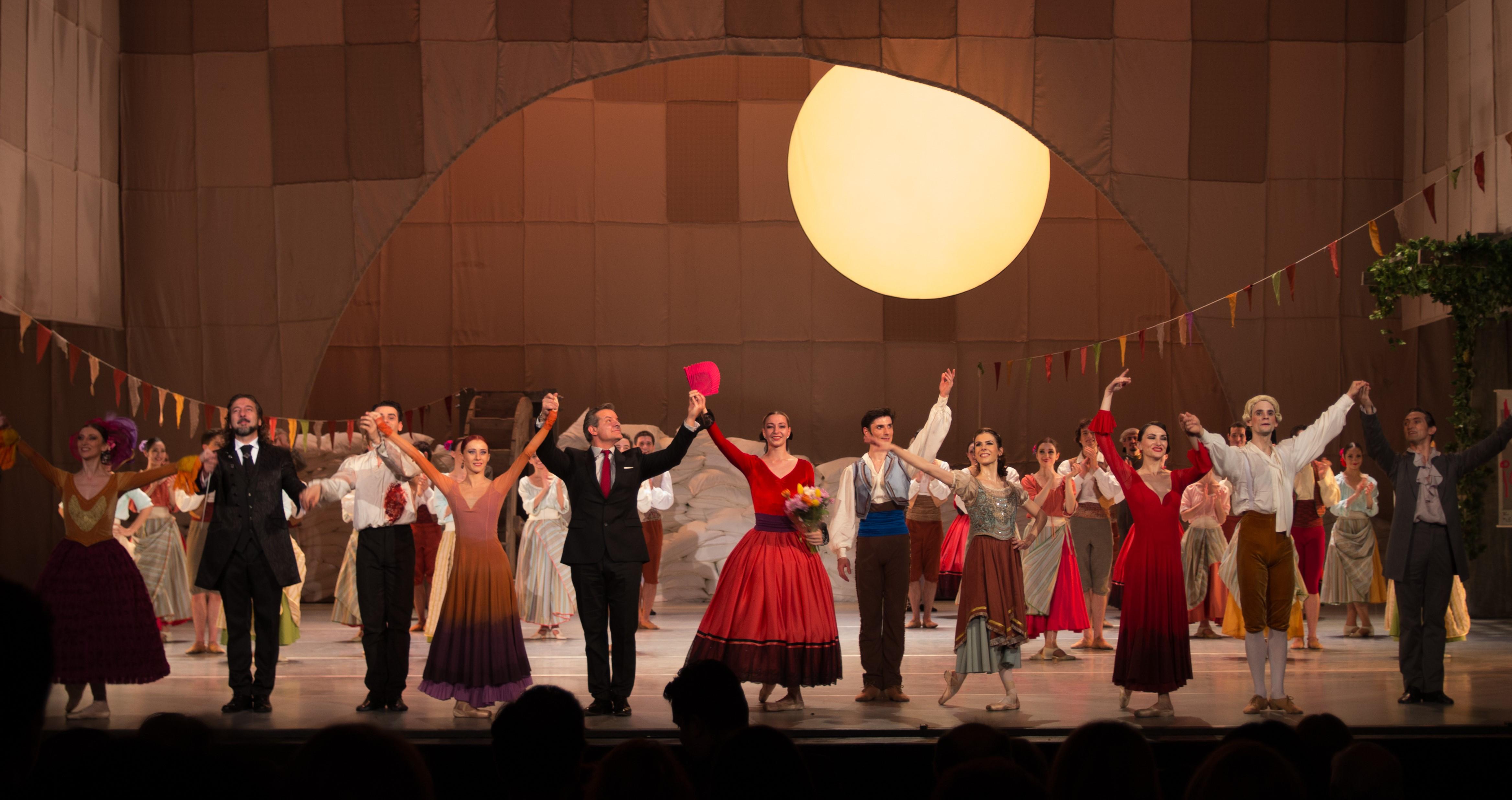 Estreno en la Ópera de Bucarest de los ballets El sombrero de tres picos y El amor brujo, del coreógrafoespañol Carlos Vilán