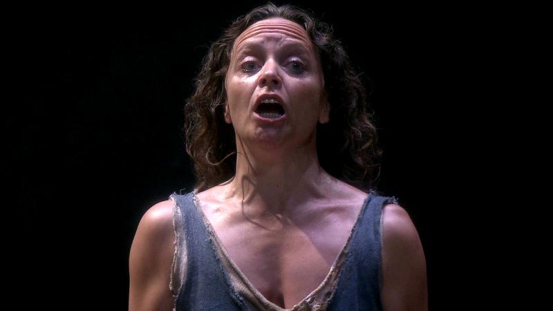 Elelyn Herzlitzius como Elektra. Fotograma del DVD oficial.