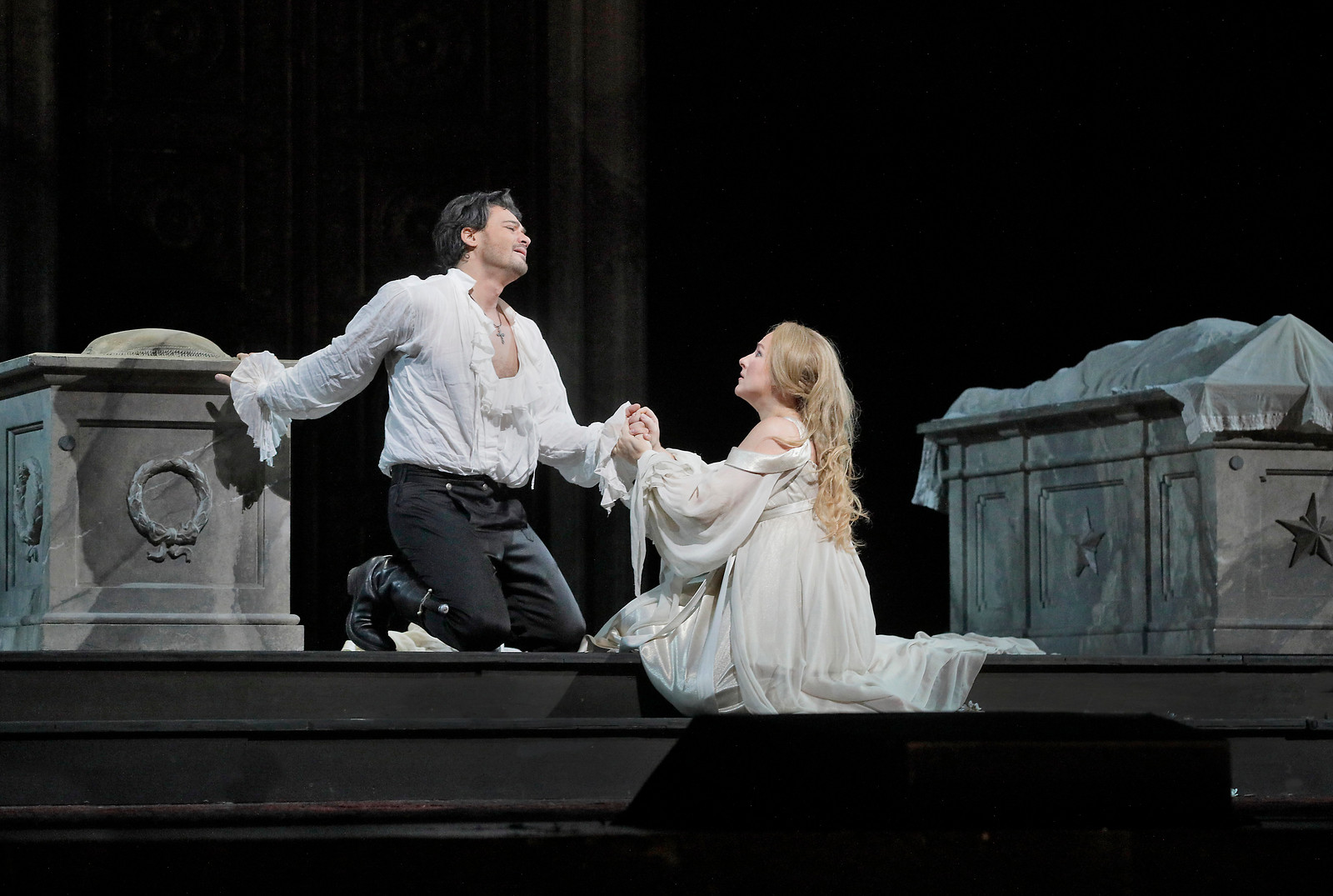 Roméo and Juliette ring in the New Year at the Metropolitan Opera