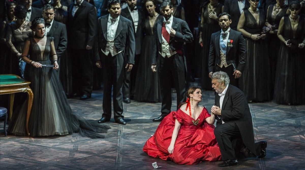 Gran éxito de la producción de La Traviata en Valencia, con Domingo, Coppola y Valentino. Foto: MIGUEL LORENZO