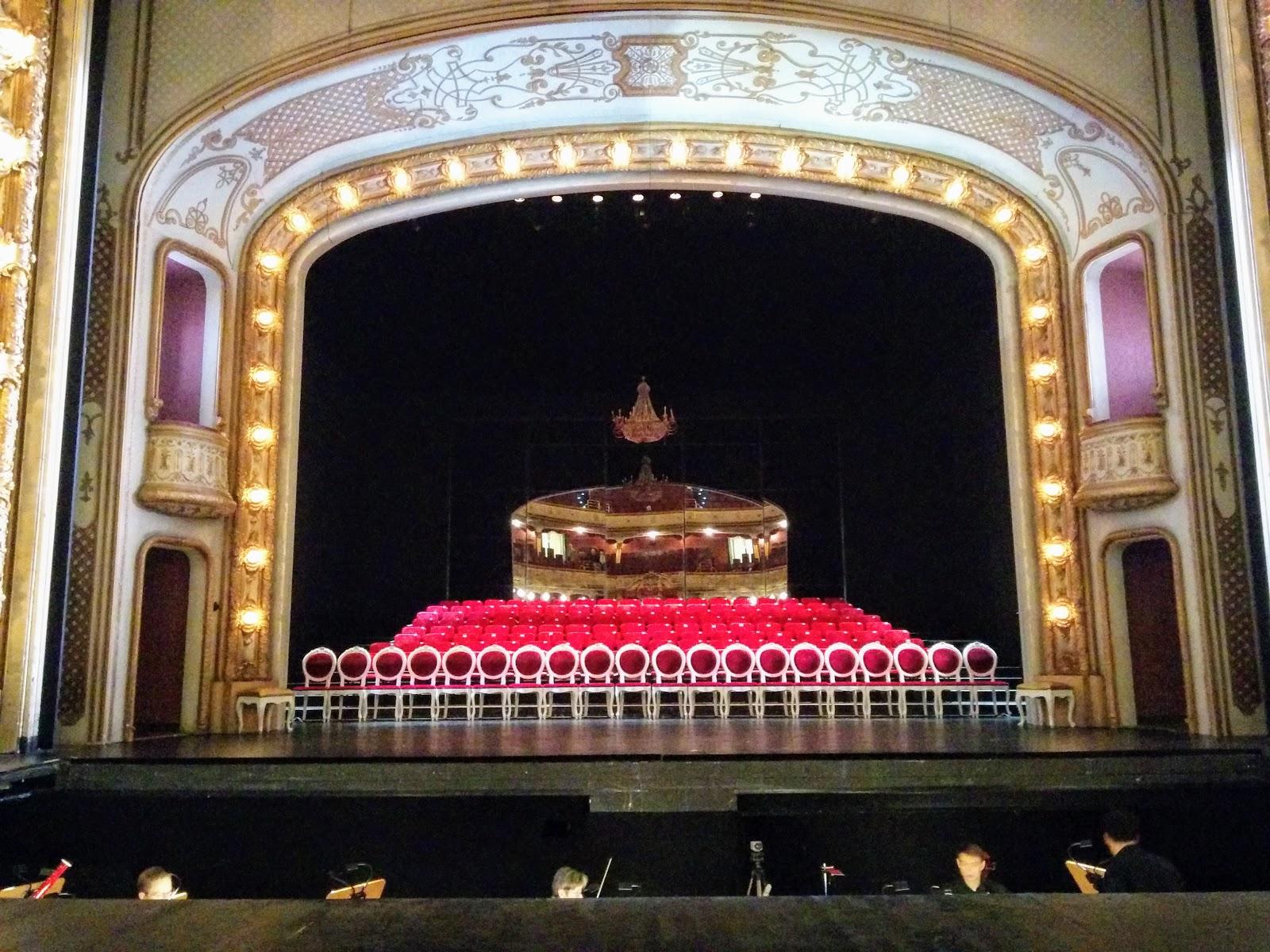 Reprise du Così fan tutte de Laufenberg au théâtre de la Hesse de Wiesbaden