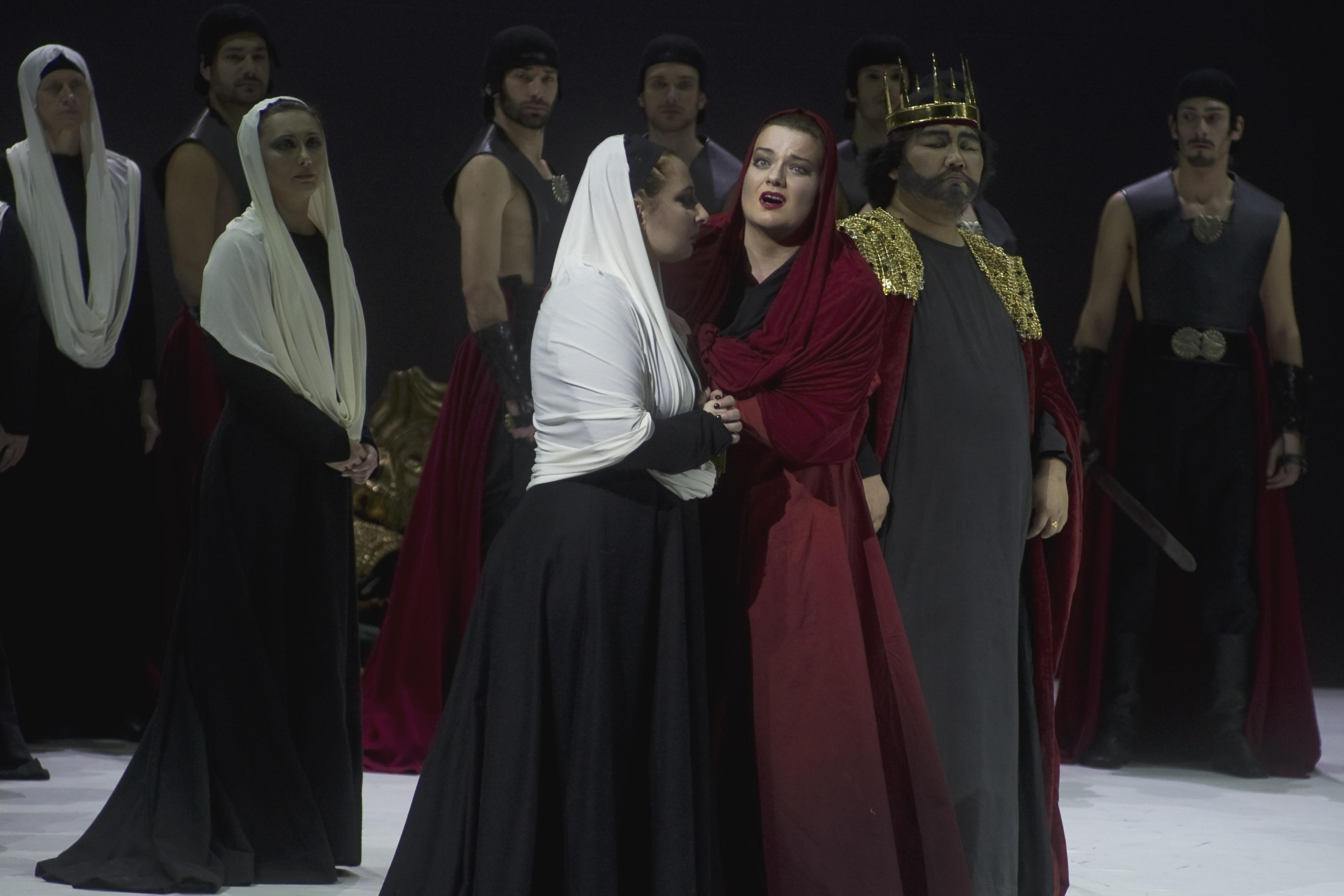 Nabucco al Coccia di Novara. Photo: Mario Finotti