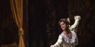 Lauren Cuthbertson y Reece Clarke en Manon. Royal Ballet. Fotografía de Andrej Uspenski