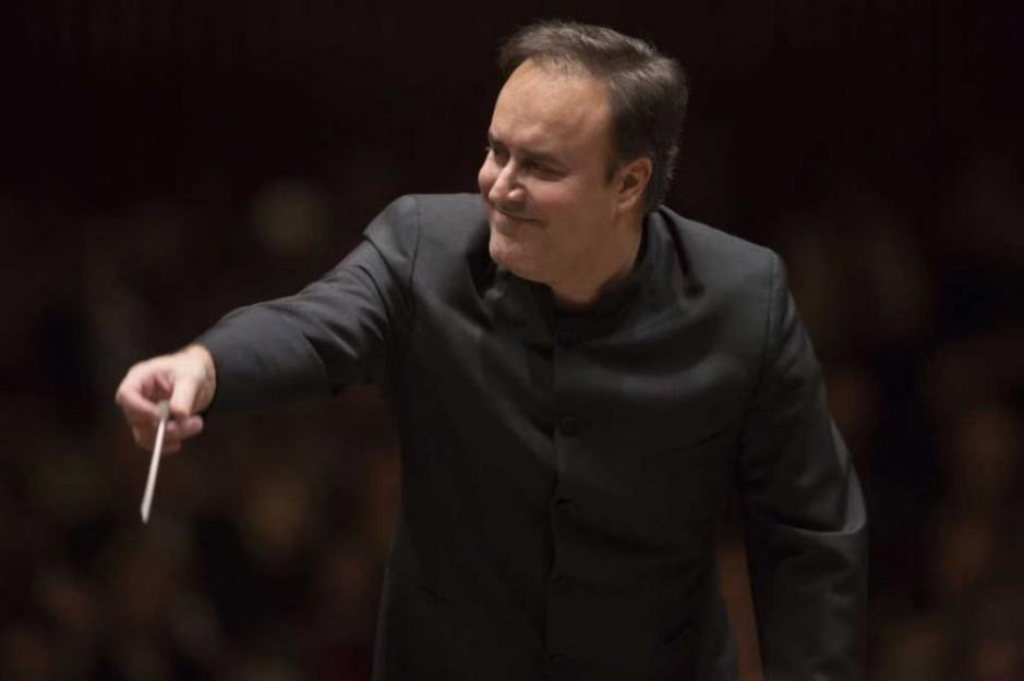 Karel Mark Chichon renueva al frente de la Orquesta Filarmónica de Gran Canaria