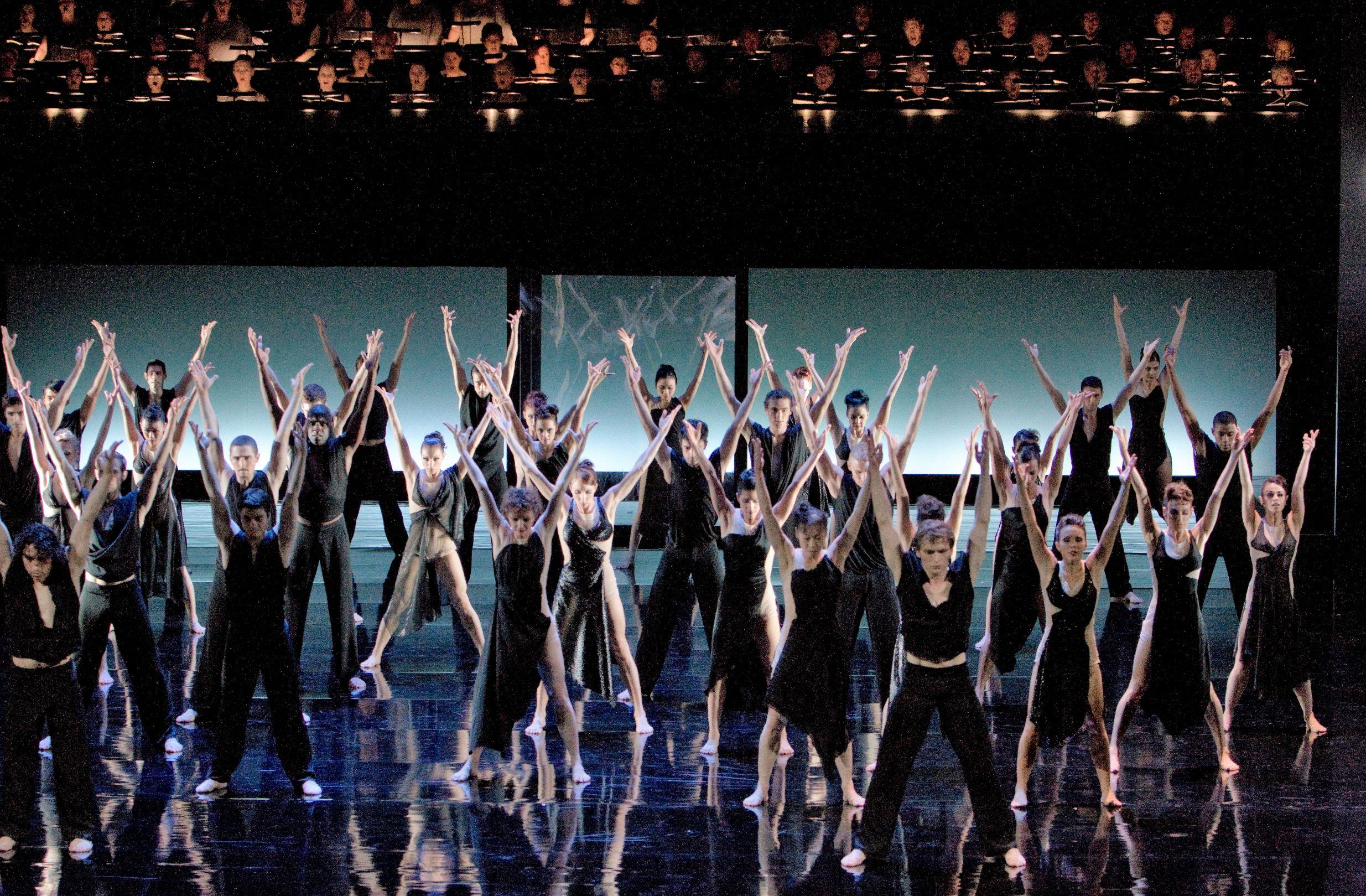 Un réquiem alemán del Ballet de la Ópera del Rin-Foto: Gert Weigelt