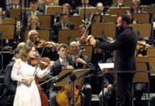 Concert d'Académie: Kirill Petrenko et Patricia Kopatchinskaja triomphent dans le Concerto pour violon de Schönberg. Crédit photographique Wilfried Hösl