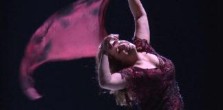 Kàtia Kabànova (Patricia Racette) © Fotograma del clip promocional
