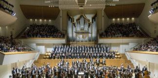 La orquesta de Valencia y el Coro Nacional firman una versión muy ovacionada