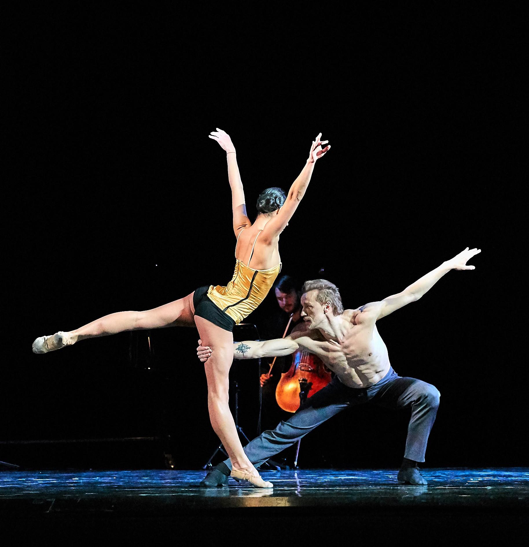 Quatro, por The Great Gatsby Ballet Fotógrafo-Andrey Maximov