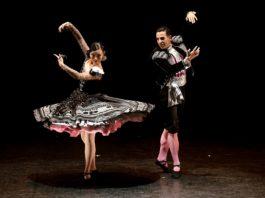 """Soujung Youn y Juan Berlanga bailan """"Bolero 1830"""" en la Gala Danza Española ADE. Foto: David Mudarra"""