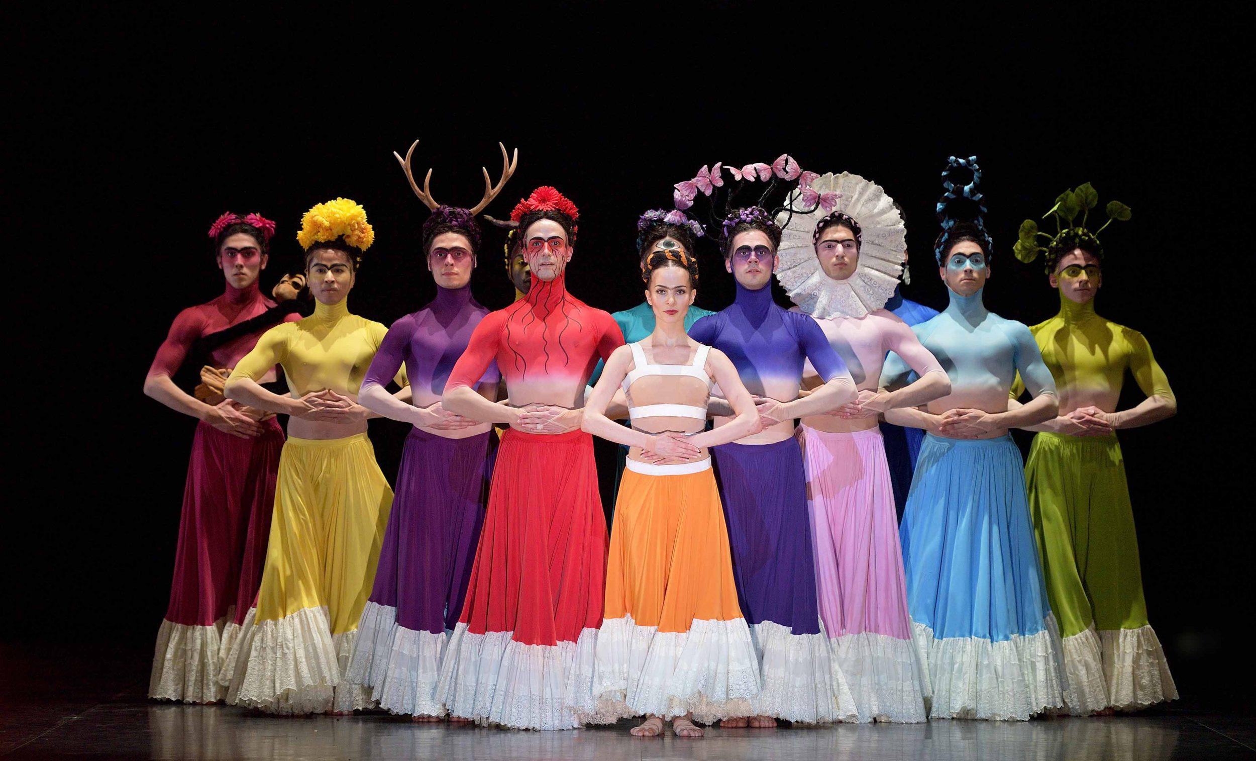 Katja Khaniukova como Frida con artistas del ENB en el ballet de Annabelle López Ochoa, Broken Wings. Foto- Laurent Liotardo
