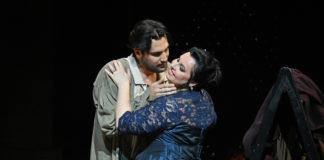 Tosca (Liudmyla Monastyrska) y Mario Cavaradossi (Jonathan Tetelman) ©Foto: A Bofill