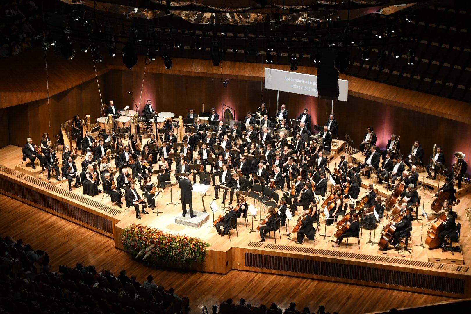 """Wagner en la Sala Nezahualcóyotl de la UNAM. """"EL ORO DEL RIN"""", Ópera- Concierto, deleitó a oyentes iniciados y profanos."""